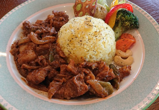 豚角煮の濃厚スパイス炒めカレー